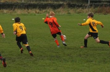 Joel bursts through midfield