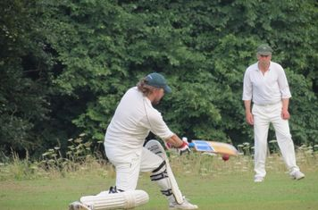 Ed on his way to top scoring with 42