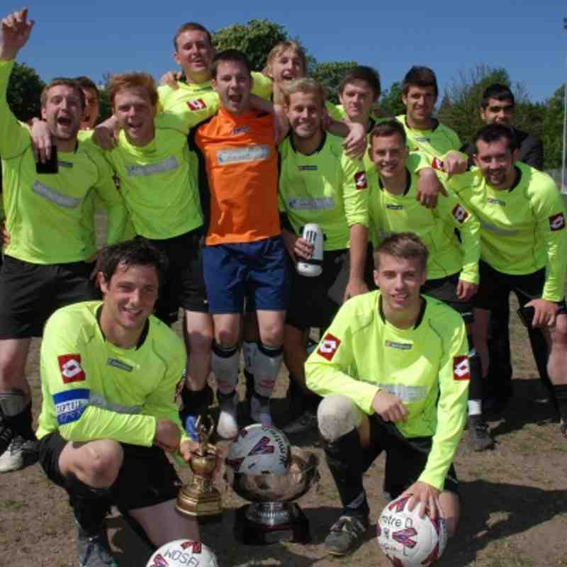 New Landlords at Kinsley Hotel! It's the Landlords Trophy!  Kinsley celebrate their 1-0 victory over Shepherds Arms in the Final.