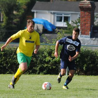 Llanfair beat Mold in thriller on Mount Field