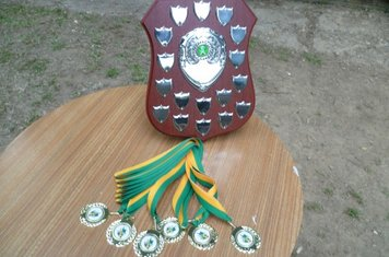 The Andy Hinks Memorial Trophy sponsored by John Hollilee Builders and Winners' Medals