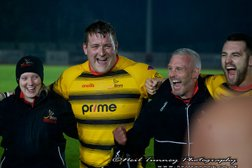 Bees cash in offshore to secure vital league points