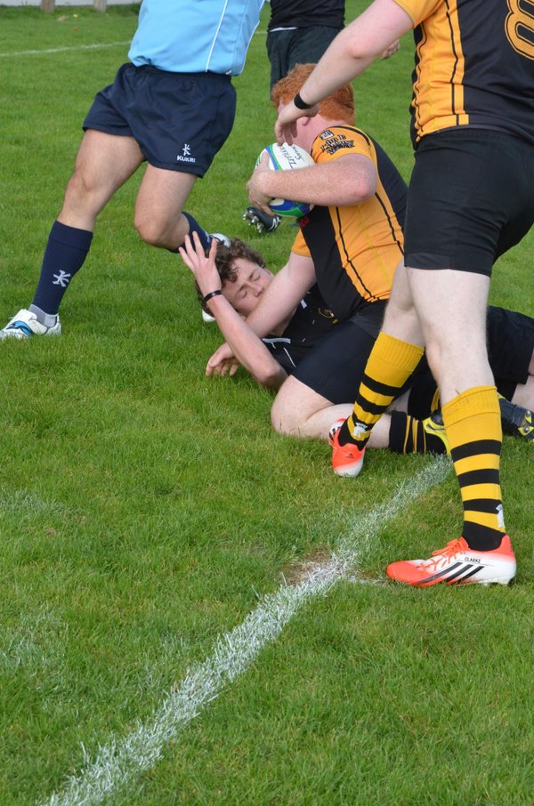 Ray smashes over for a great try after some great hands and support play.