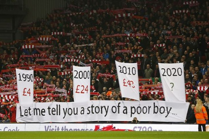 Liverpool fans protest about ticket prices