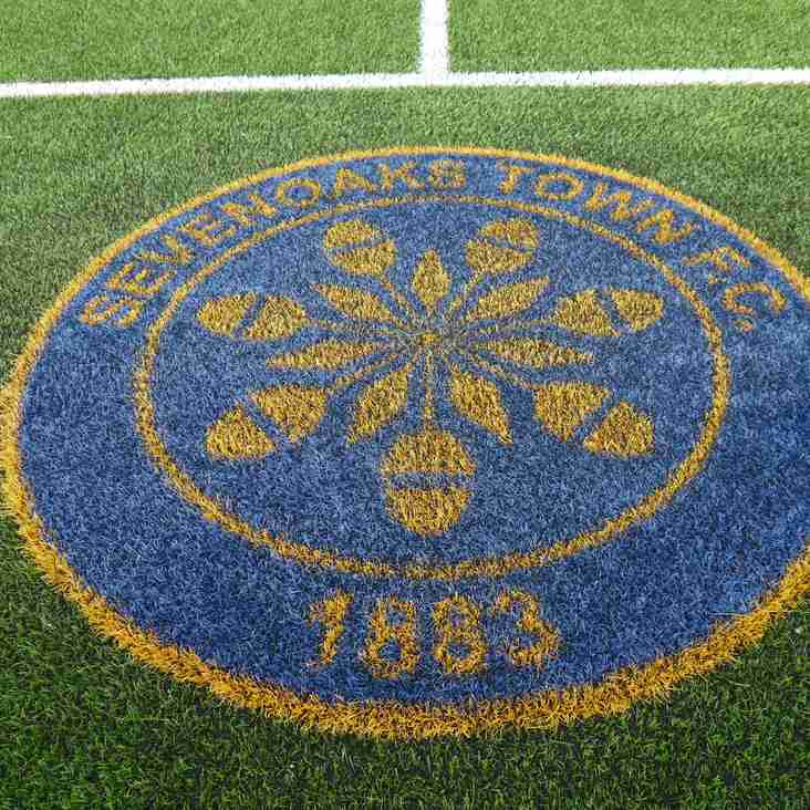 Bostik Matchday: Oaks look the part, but U's go marching in