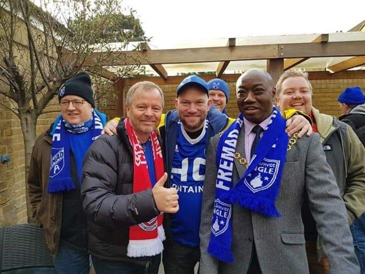 The Danish fans meet the Mayor