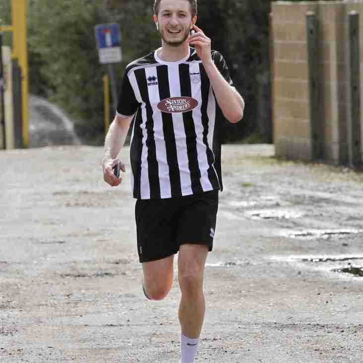 Geordies striker Gareth- spurred on by Shearer- completes his marathon charity run
