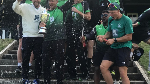 Berkshire ease to Trophy win