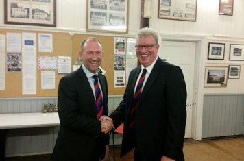 Chairman Glen Auckett with Paul Heynes - 2017 Clubman Of The Year
