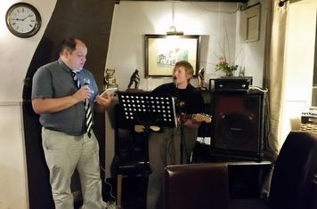 On the 28th Feb Black Horse RFC player John Thurley led the team in song, for a great night of Rockaoke!
