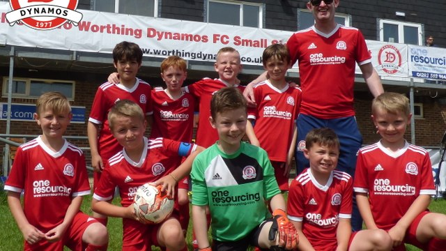 Worthing Dynamos U11s Red