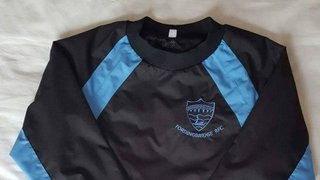 MINiS and JUNIOR training tops now in stock
