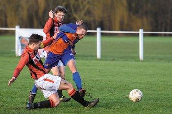 Mark Burrows & Jack Brighton vs Barnt Green - courtesy of Alex Bradbury & The Droitwich Standard