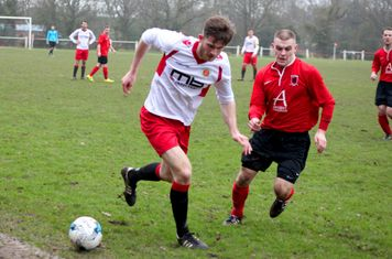 Nick Seabourne vs Hampton - courtsedy of Marie Myers & Droitwich Standard