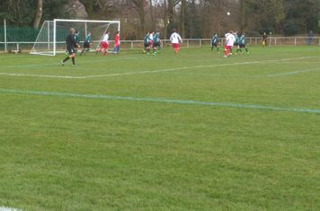 Spa attack a corner vs Sutton Utd (A)