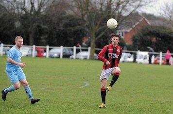 Max Crisp vs Alvis - photo courtesy of the Droitwich Standard