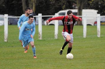 Jack Brighton vs Alvis - photo courtesy of the Droitwich Standard