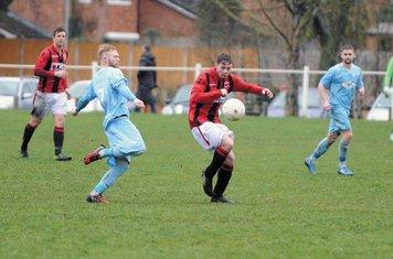 Jasper Alford / Mark Burrows vs Alvis - photo courtesy of the Droitwich Standard