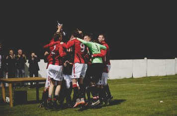 Saltmen celebrate their win  - photo courtesy of Zara Dowthwaite Photography