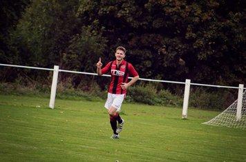 Seabourne celebrates his goal v Feckenham (H) courtesy of Zara Dowthwaite Photography