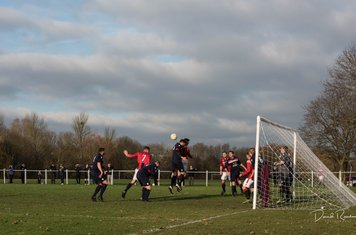 Seabourne wins a header v Worcester Raiders - courtesy of David Rawlings