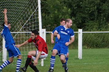 Matty Hunt comes close  vs FC Stratford - courtesy of Mathew Mason