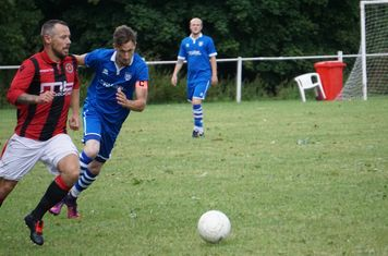 Andy Crowther  vs FC Stratford - courtesy of Mathew Mason