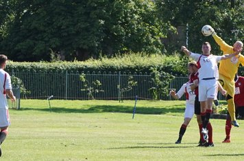 home 'keeper rises highest vs Fairfield Villa (A) photo courtesy of Mathew Mason