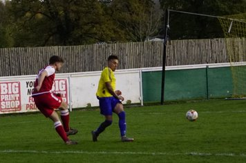 Max Crisp v Alcester Town (H) - photo courtesy of Mathew Mason