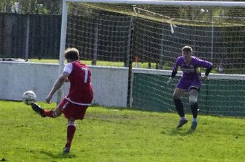 Nick Seabourne shoots  v Bloxwich Town (H) photo courtesy of Mathew Mason