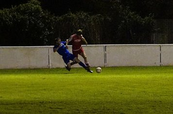 Nick Seabourne v Redditch Boro' (H) - photo courtesy of Mathew Mason