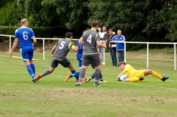 Sam Hawker saves vs Darlaston Town (A) courtesy of DTFC