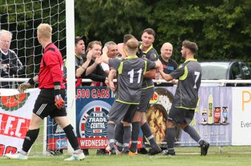 Spa players & fans celebrate the opener vs Darlaston Town (A) courtesy of DTFC