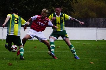 Ben Tilbury vs Gornal Athletic (H) photo courtesy of Mathew Mason