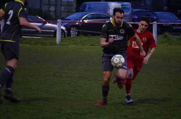 Mike Seeley vs Willenhall Town (A) photo courtesy of Mathew Mason