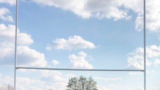 Brentwood sunk by eight-try Stags