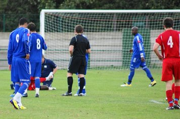 30th min.-Aveley player injured-