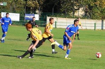 Louis Leaves defenders standing