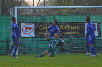 15th min.Cooper is ajudged to have fouled Robinson-penalty awarded which they scored from.1-0 to Soham.
