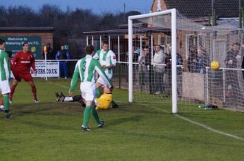 AND ITS  IN THE NET.        GRAYS ONE NIL UP.