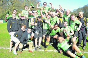 2012/13 - Winners SW1 (East) (Photo courtesy of Bracknell News)
