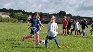 GIRLS FOOTBALL: Player Vacancies
