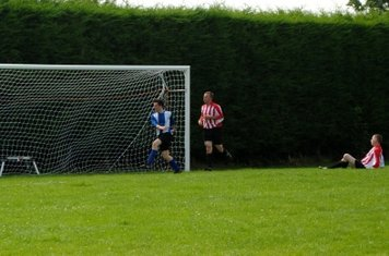 Hailstone sets up Cracknell for United's third