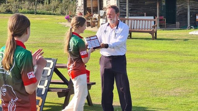 Beaconsfield Win U13s Bucks Cricket Girls Cup