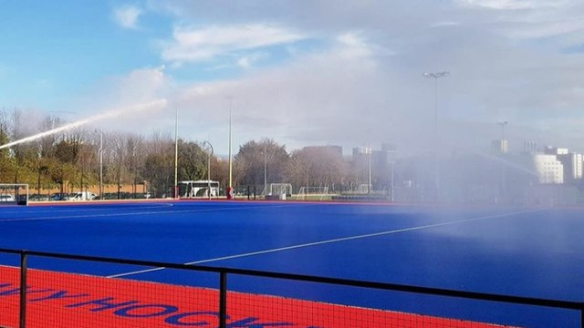 HOCKEY IN THE SUN