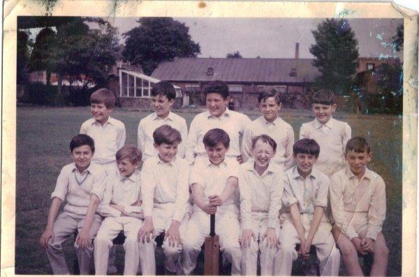 Under 12, June 1966 (just before we won the World Cup).  Front Row: John Findlay, Niall Coldrick, Alan Sheridan, George Lipinski, John Hickey, Martin Hogan, Pete McKeon - Back Row: Paul West, Hugh Hickland, Charlie Rettner, Gerry Taggert, Seamus Burke