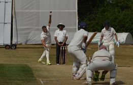 Back to winning ways as Quiney shines