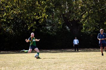 Handley kicks a conversion for Finsbury Park
