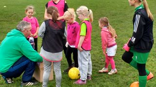 FA Girls' Football Week - MiniDucks for Girls - Taster Session & Training - Sat 11 Nov 2017