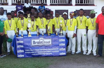 DCC U-15 BRAINSTREET CHAMPS 2013 WITH BRAINSTREET REPS